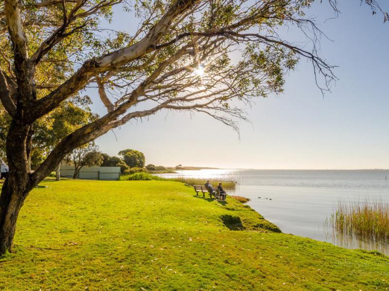 Camping by the lake at Meningie