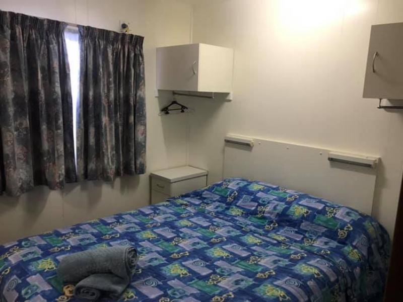 Swan 5 Standard Accommodation in Meningie
