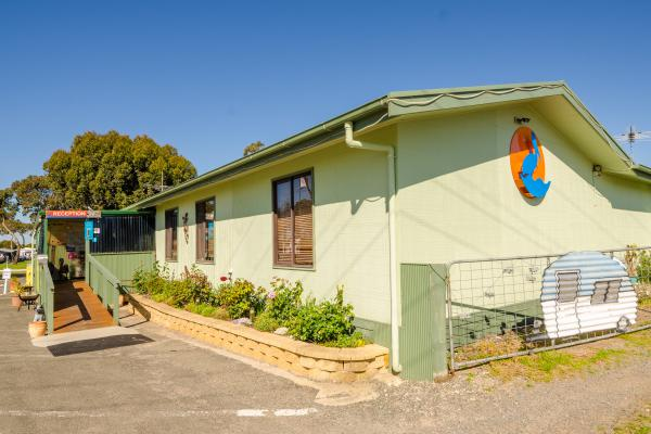 Lake Albert Caravan Park, Meningie office