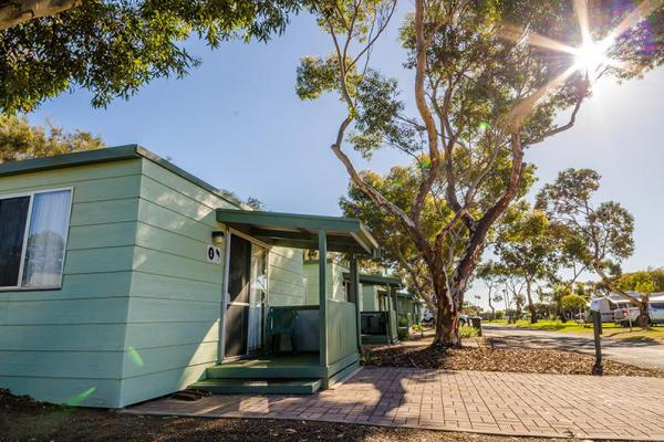 Lake Albert Caravan Park Accommodation Meningie Accommodation