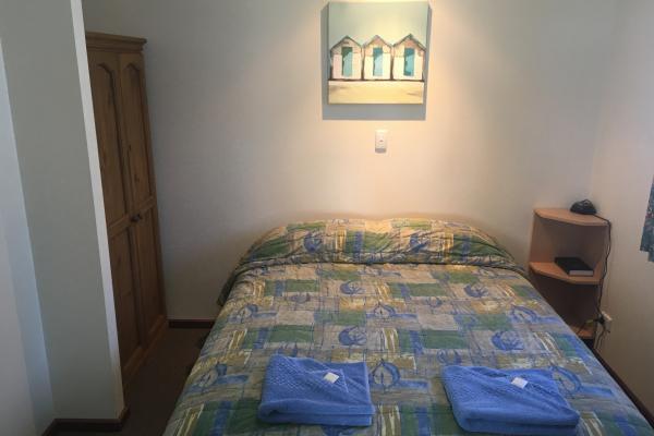 Meningie Accommodation - Blue Wren Cabin